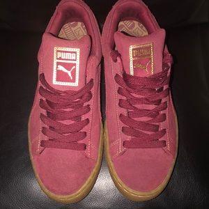 Burgundy and cream puma sneakers